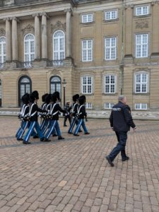 Free copenhagen changing of the guards